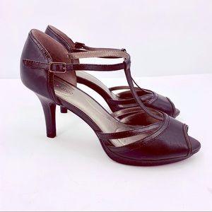 Bandolino Steam T Strap Black Heels Size 8.5